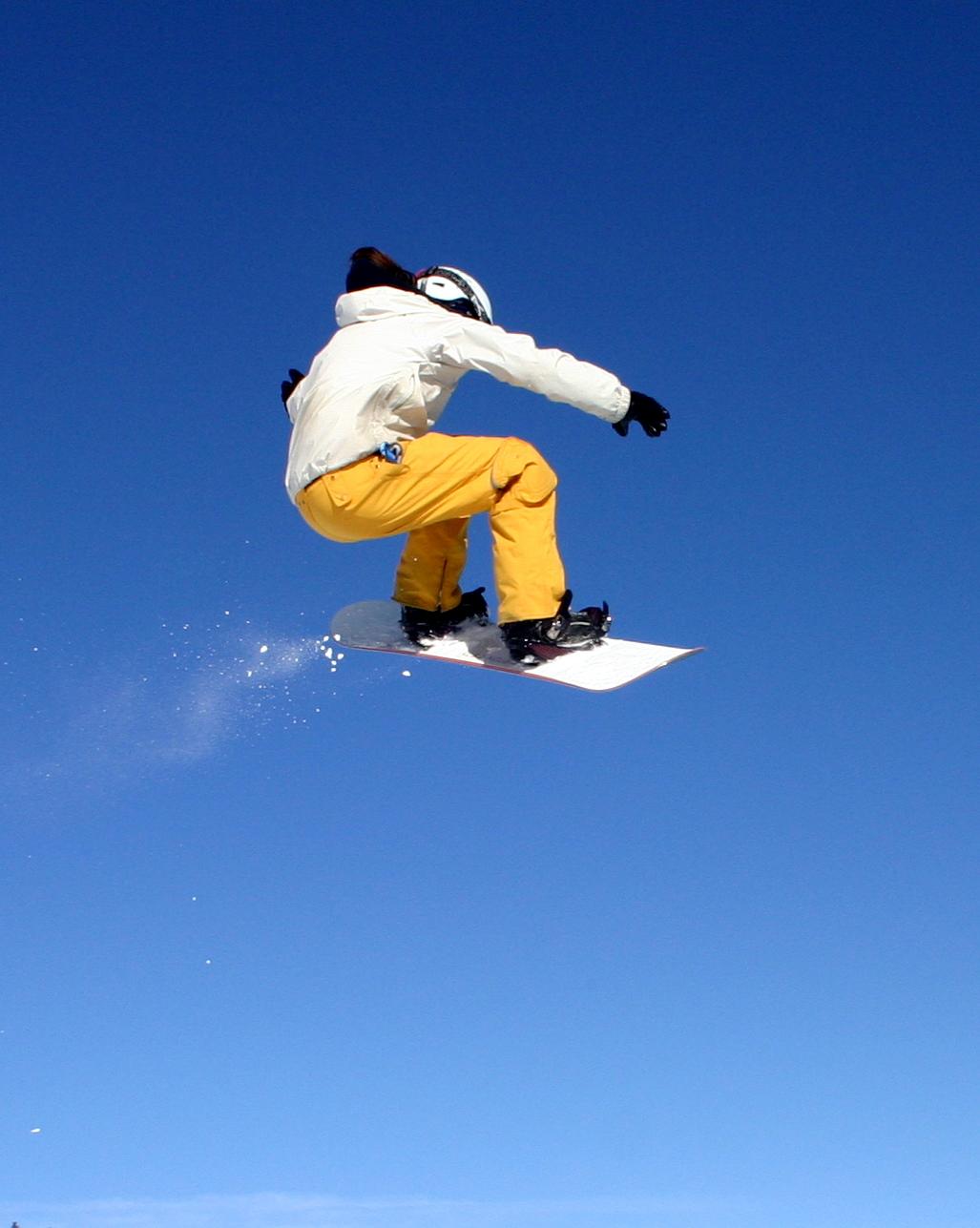Chystáte se lyžovat? Kartička pojištěnce vás většinou neochrání!