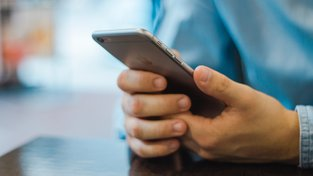 Mobilní platby přes Apple Pay jen první den zkusily desetitisíce lidí