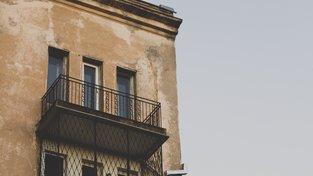 Vybydlené byty vám mohou při nákupu ušetřit i polovinu částky