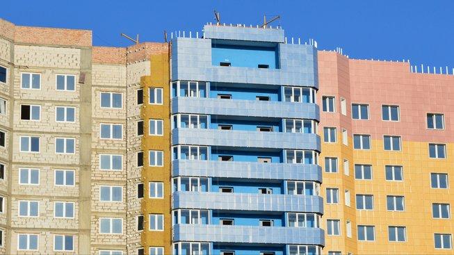 Pronajímat víc bytů půjde v budoucnu možná jen s koncesí