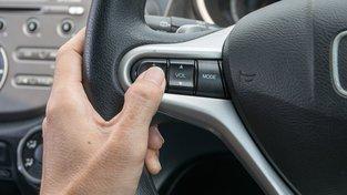 EU zvažuje od roku 2022 povinné aktivní tempomaty v nových vozech