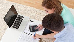 Ušetřete tisíce korun srovnáním půjček a pojištění přes internet