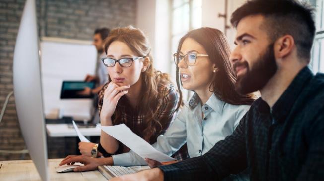 Zaměstnanecká a modrá karta: Jak ušetřit při jejich pořízení?