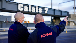 Přístav Calais je na dokončení Brexitu prý připraven.
