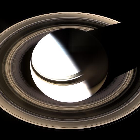 Kdo cuchá prstence Saturnu?