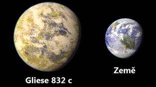 Grafické porovnání velikosti nově objevené exoplanety a Země