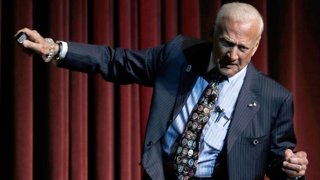 Hrdina z Apollo 11 a věčný divoch, Buzz Aldrin
