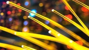 Na tyhle rychlosti už nám ethernetové kabely stačit nebudou