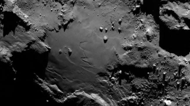 Povrch komety, na kterém se chystá přistát modul Philae