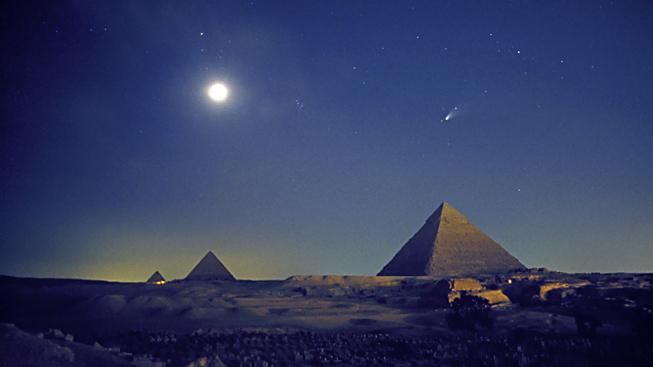 Kometa Hale-Bopp, jedna z nejjasnějších za poslední staletí