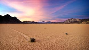 Kamenní výletníci vděčí za svůj pohyb vzácné souhře přírodních okolností