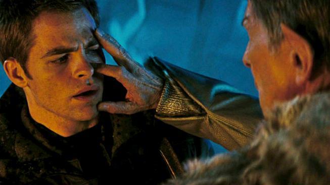 Ve Star Treku stačilo ke splynutí myslí dotknout se druhé osoby. A narodit se jako Vulkánec.