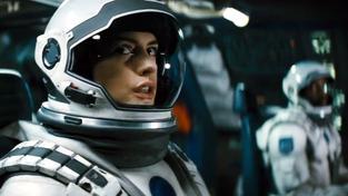 Ve filmu od režiséra trilogie o Batmanovi se v jedné z rolí dočkáme i Anne Hathaway