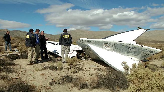 Trosky letounu SpaceShipTwo v Mohavské poušti