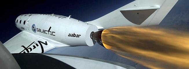 SpaceShipTwo se spuštěným raketovým motorem
