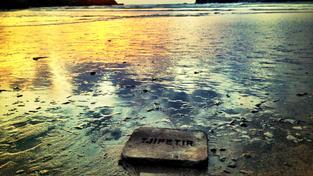 Tajný vzkaz od Neptuna? Rafinovaný žert? Ne, jen memento zašlých časů – a války.