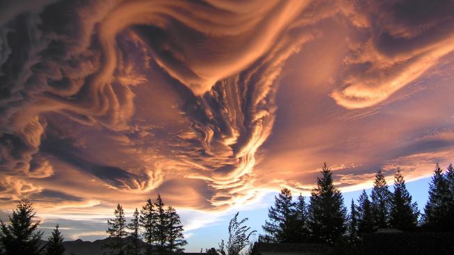 Za správného světla to skoro vypadá, jako by obloha hořela