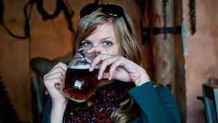 Obhajovat konzumaci alkoholu čímkoli jiným než požitkem z chuti nebo dobré společnosti je omyl