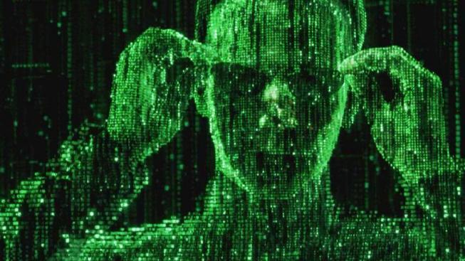 Hrdina filmu Matrix získá schopnost vidět skrze iluzi počítačového světa