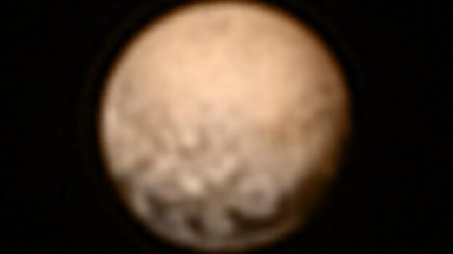 Co jsou zač tmavé jižní oblasti trpasličí planety?