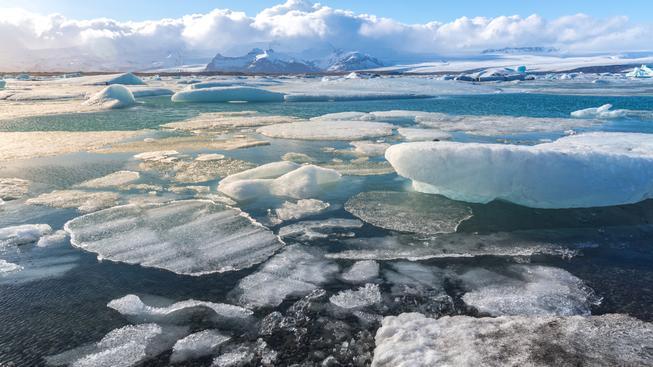 Podle vědců ledovce tají v novém tisíciletí rychleji, než kdy dříve. Ilustrační foto