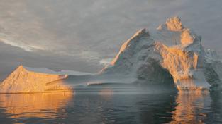 Ledovce v Grónsku a na Antarktidě tají rychleji, než kdykoli před tím. Ilustrační foto