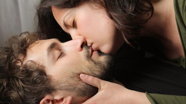 Romantický polibek neuznávají všechny lidské kultury. Ilustrační foto