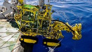 Podvodní robot, který těží na dně vzácné kovy