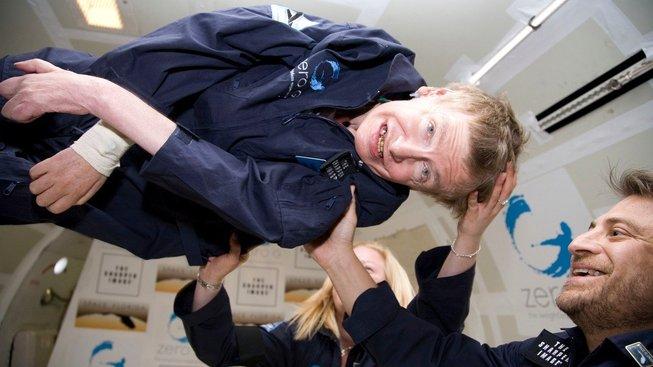 Stephen Hawking si během speciálního letu zažil pocit beztíže