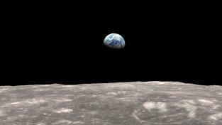 Pohled z Měsíce na Zemi