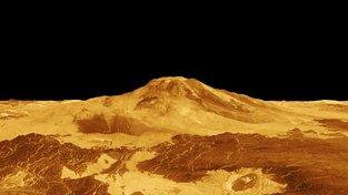 Povrch Venuše ve falešných barvách