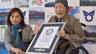 Nejstarším žijícím mužem na světě je momentálně Japonec Masazo Nonaka, kterému je 113 let