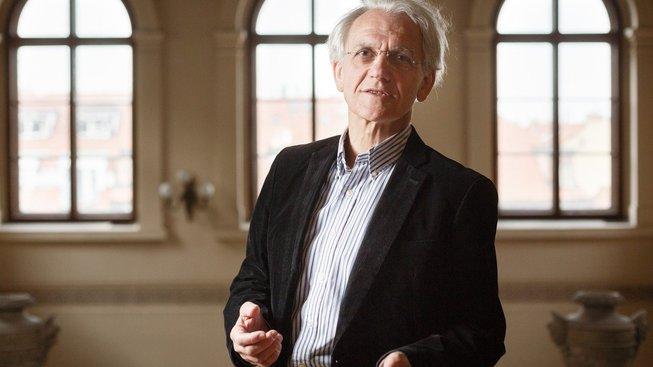 Jedním z trojice oceněných je fyzik Gérard Mourou