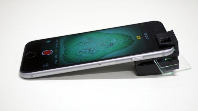 Nové pojetí mikroskopu pro smartphone
