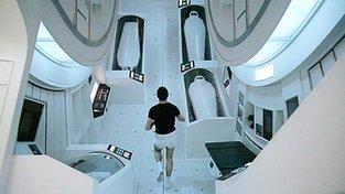 2001: Vesmírná odyesa a její gravitace