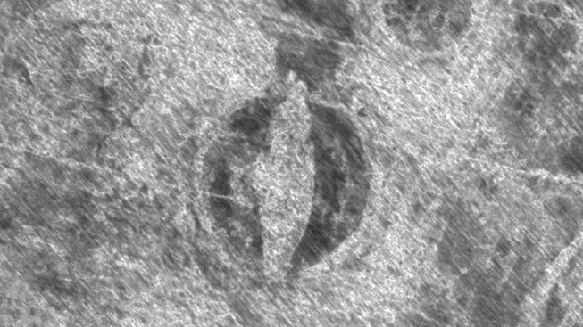 Radarový snímek pohřbené vikingské lodi