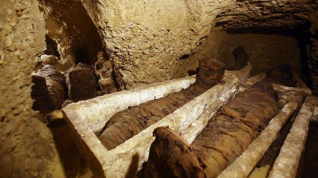 Hrobka obsahuje čtyřicítku mumií z období Ptolemaiovců