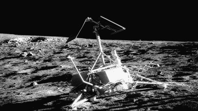 Surveyor 3 na Měsíci