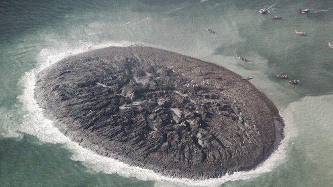Bahenní ostrov Zalzala Koh u pákistánského pobřeží