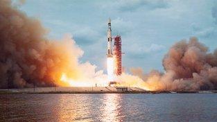 Raketa Saturn V skončila v muzeu