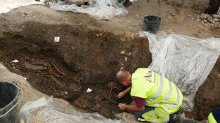 Pohřební loď obsahovala i kostry psa a koně