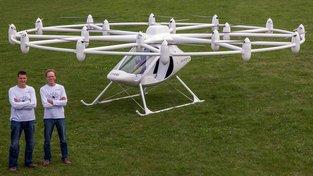 Piloti u dronu-taxíku Volocopter