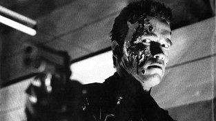 Arnold Schwarzenegger jako robot Terminátor. Budeme jednou s takovými netvory bojovat? A měli bychom šanci vyhrát?