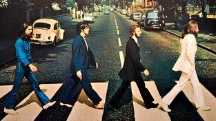 Beatles na nejslavnějším přechodu světa na Abbey Road. To bylo v roce 1968, kdy Johnovi, Ringovi, Paulovi a Georgeovi bylo pod třicet. Takové ostré tempo by vám však mělo vydržet i po čtyřicítce