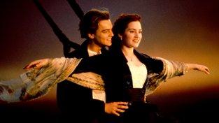 Leonardo DiCaprio a Kate Winsletová na přídi 'Cameronova' Titaniku. Ten příští Titanic by se už nemusel potopit, pokud by byl z laserem upraveného kovu