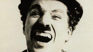 Charlie Chaplin - komik rozdávající humor na plátnech kin i ve společnosti trpěl častými depresemi