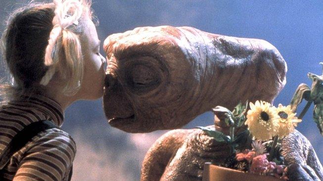 Mimozemský život můžeme přehlédnout, upozorňuje profesor Peter Vickers. E.T. – Mimozemšťan (E.T. the Extra-Terrestrial) byl sice nepřehlédnutelný, to ale byla filmová fikce...