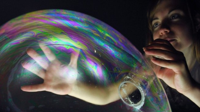 Mýdlové bubliny jsou kouzelné. A dají se také vědecky zkoumat!