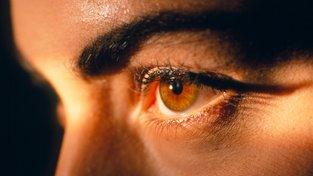 Na začátku byly jen hnědé oči
