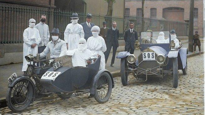 Záchranka pro nemocné španělskou chřipkou v roce 1919